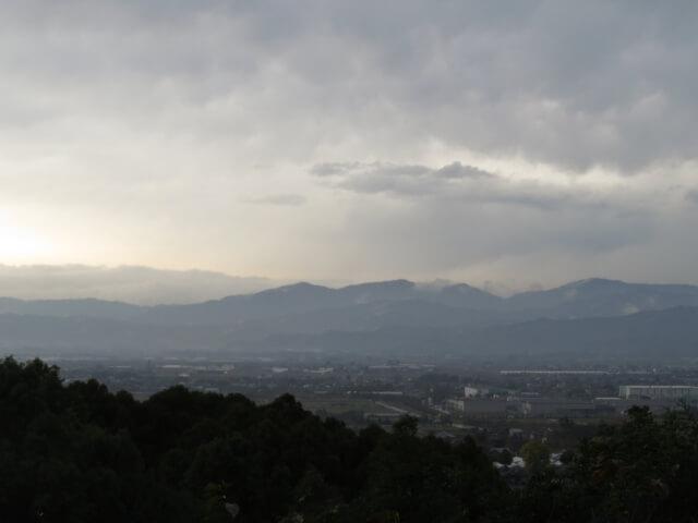 第五候 霞始靆 (かすみはじめてたなびく) 雨水 初春